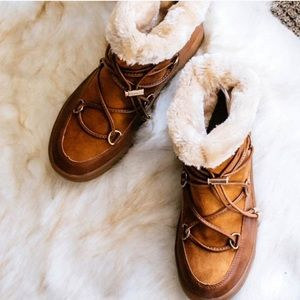 Shoes - CAMEL FUR LINED BOOTS